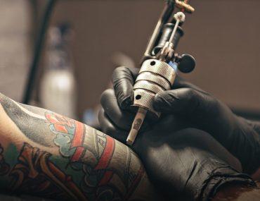 Getting a tattoo in Dubai