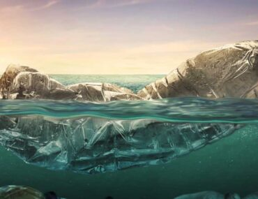 مخلفات بلاستيكية في المحيط