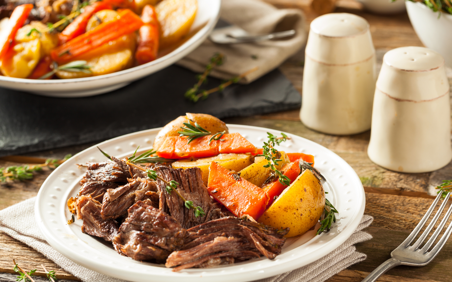 Thereed: Meat with slow-roasted vegetables