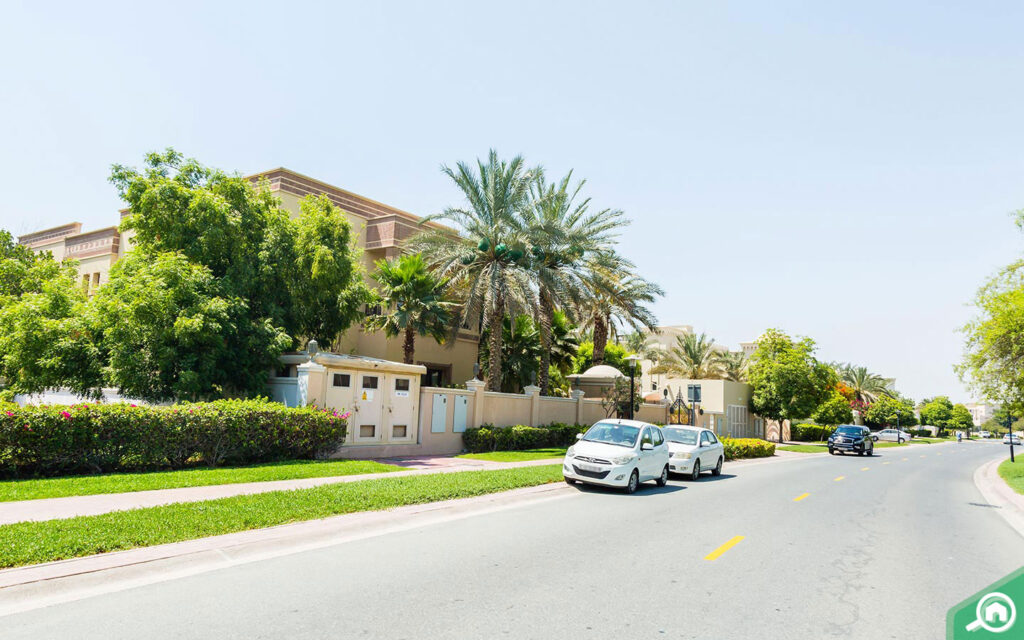 A villa in Emirates Hills, one of the most popular areas to buy villas in Emirates Living