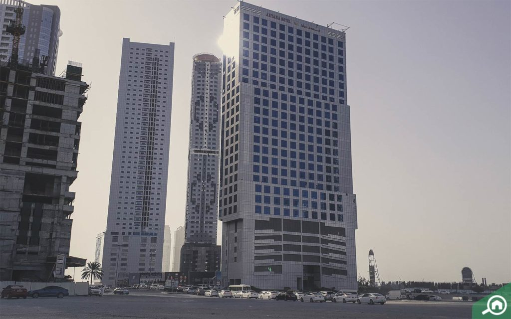 Al Majaz in Sharjah is located along Buhaira Corniche