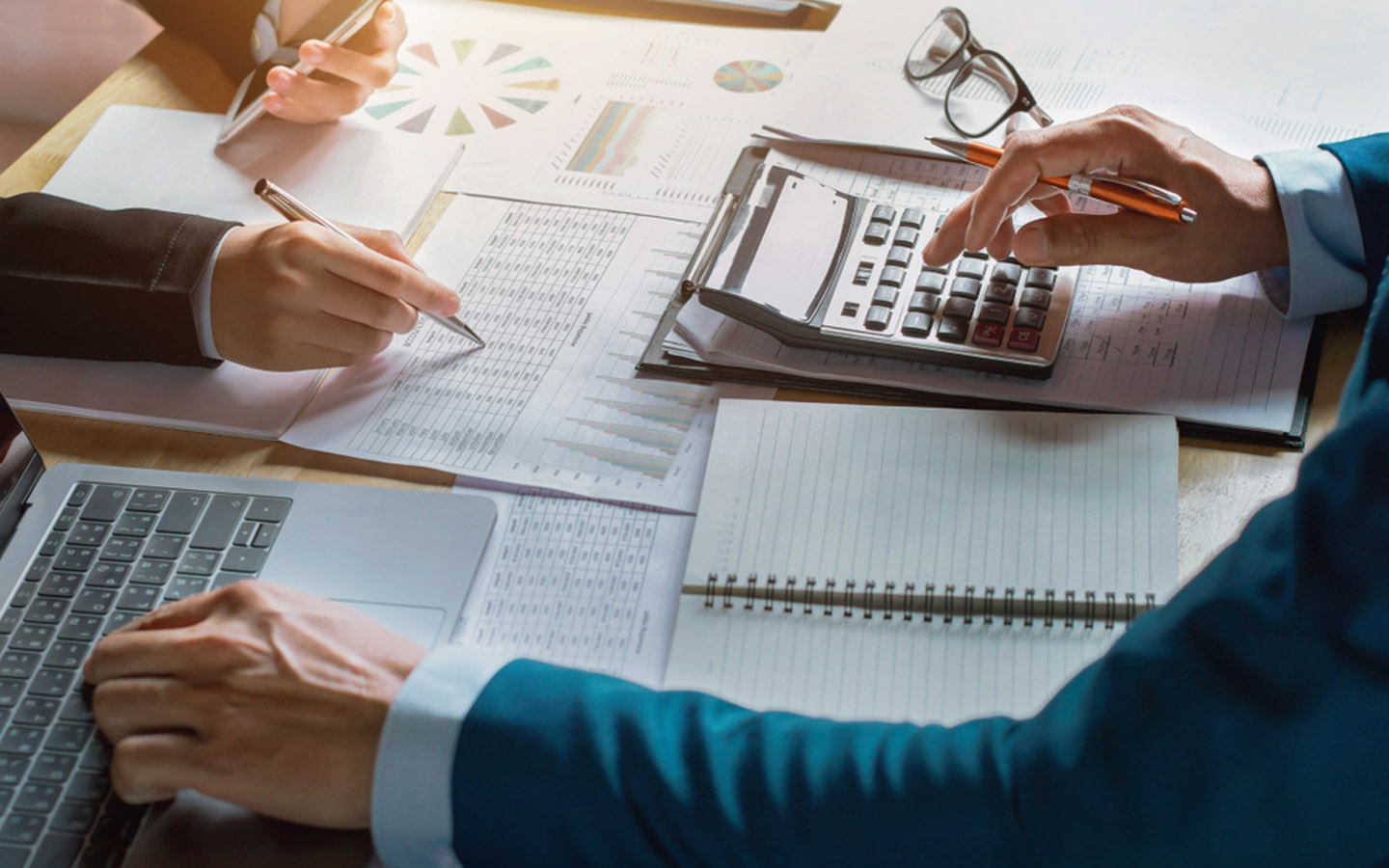 Guide to Taxes in the UAE: VAT, Excise Tax, Tourist Tax & Mo