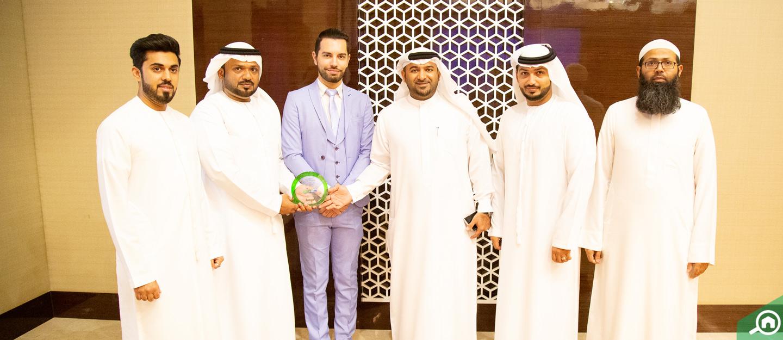 عجمان: تفوز وكالة يونيفيرسال للعقارات بجائزة الوكالة المثالية لشهر مارس 2019