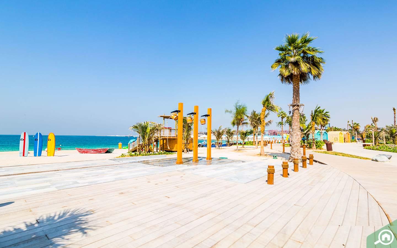 Sandy La Mer Beach
