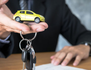 تجديد ملكية السيارة دبي