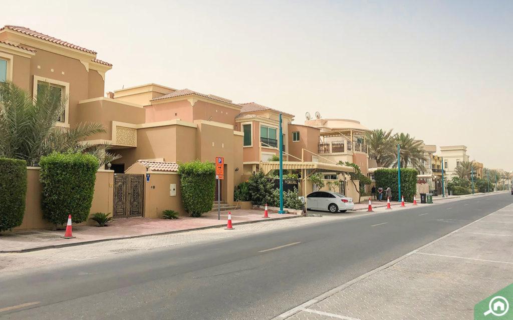 Street view of villas in Umm Suqeim