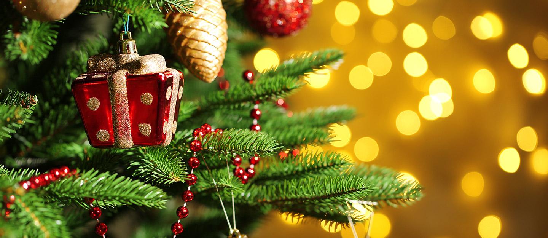 Buy Christmas trees in Dubai: IKEA, Spinneys & more - MyBayut