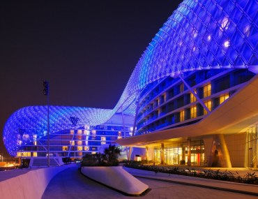 The amazing Yas Viceroy Hotel in Abu Dhabi