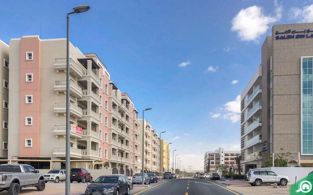 apartments in dip dubai