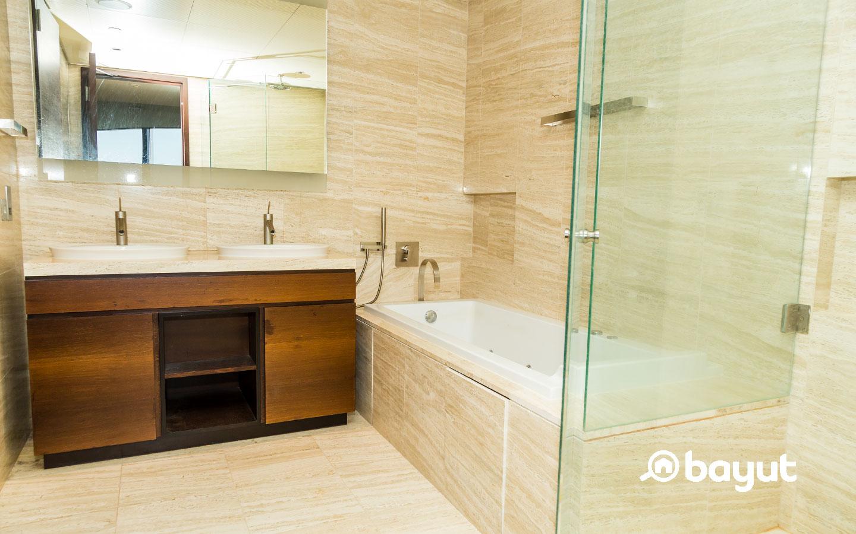 Burj Khalifa apartment washroom