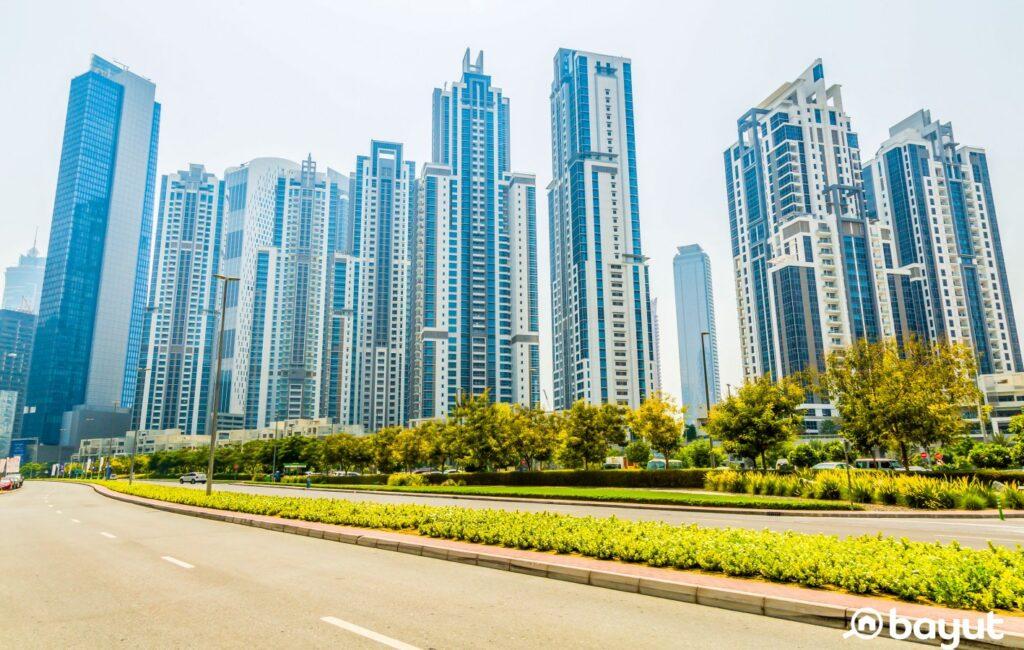 شوارع ومناظر خضراء