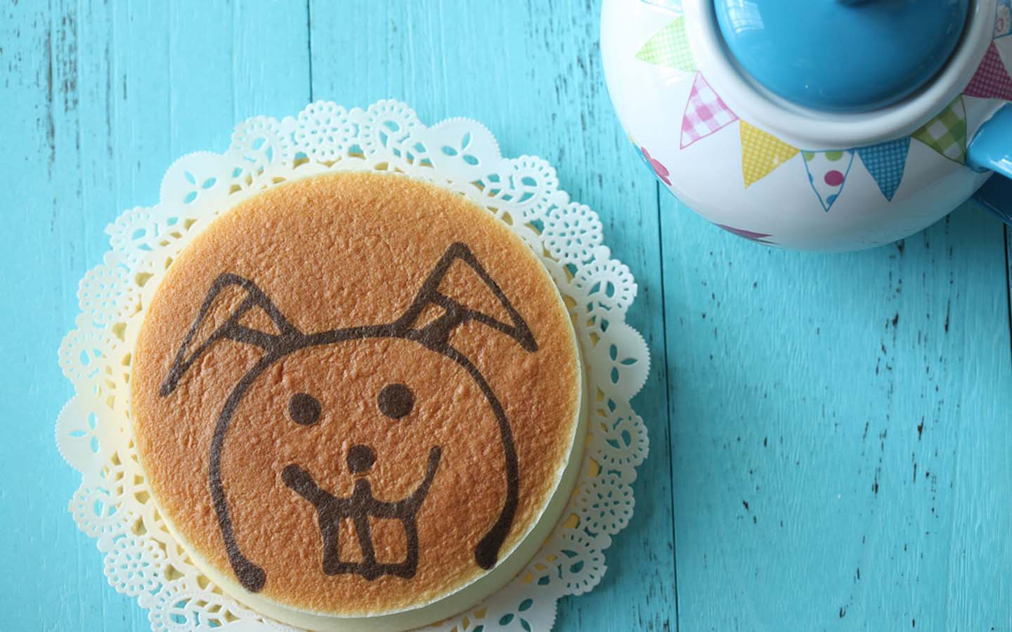 Cheesecake in Dubai with an image of a rabbit
