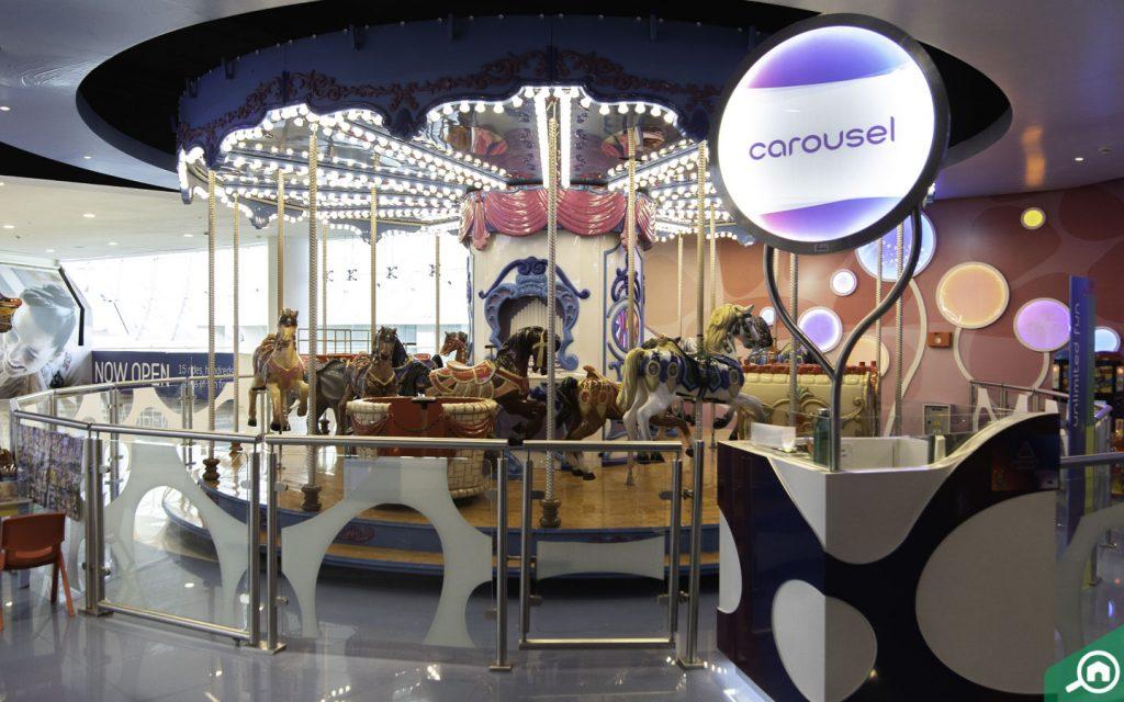 Carousel ride in Fabyland