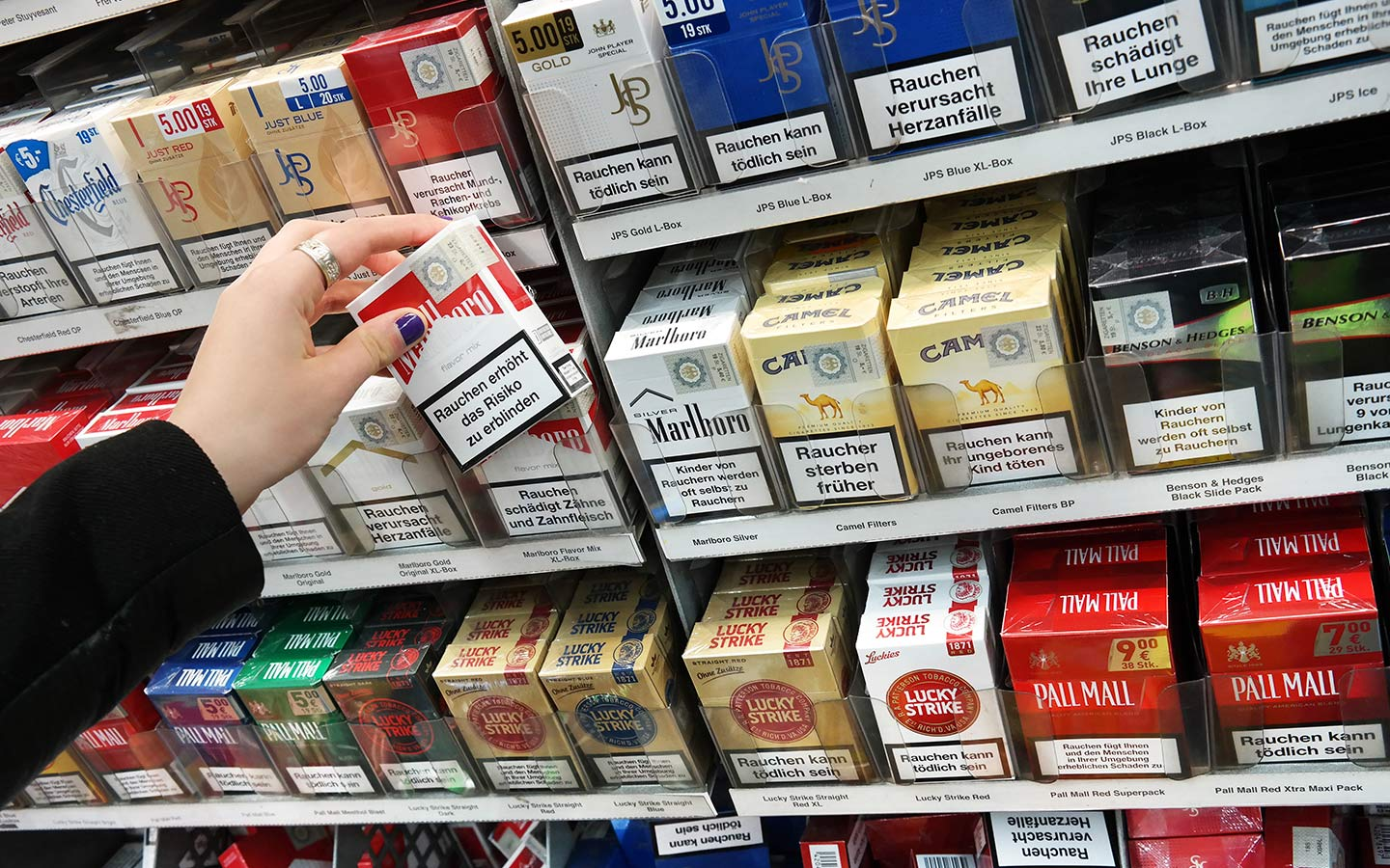 cigarette tax in dubai