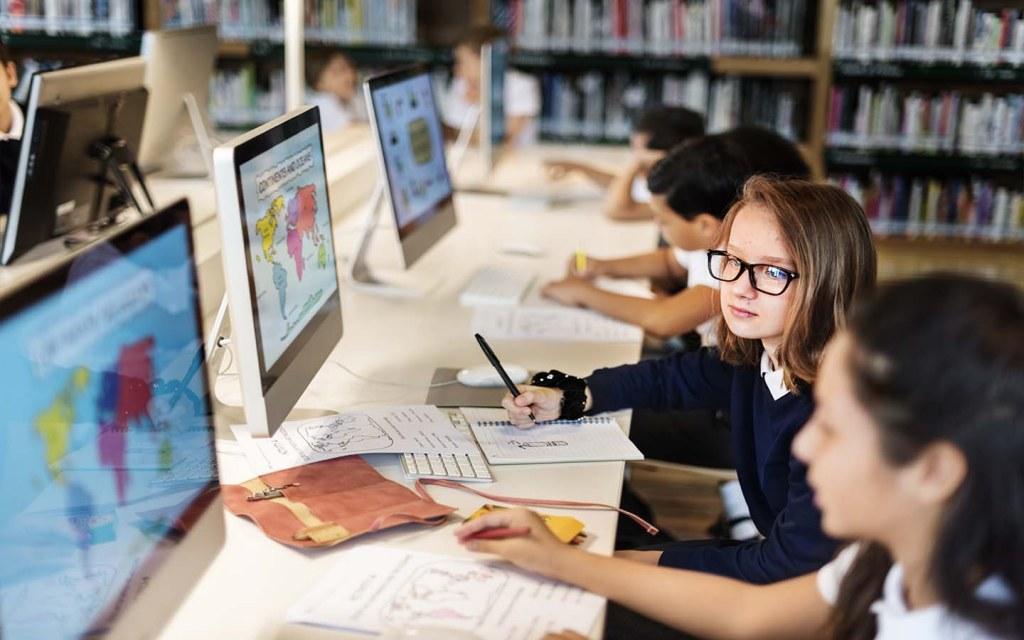 computer class in school