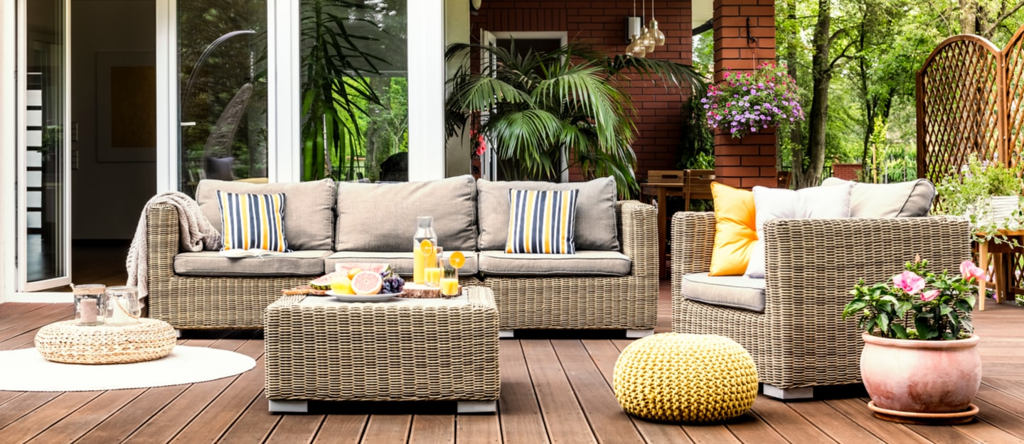 steps to decorate a patio