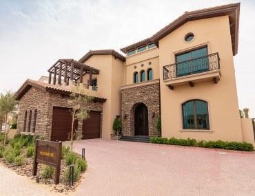5-bedroom villa for sale in Jumeirah Golf Estate