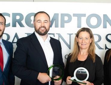 أبوظبي: كرومبتون بارترنز للعقارات تفوز بجائزة وكالة الشهر المثالية لشهر يوليو 2018