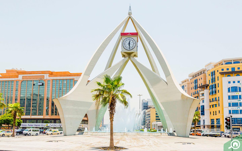 منطقة ديرة من أقدم المواقع التجارية في دبي