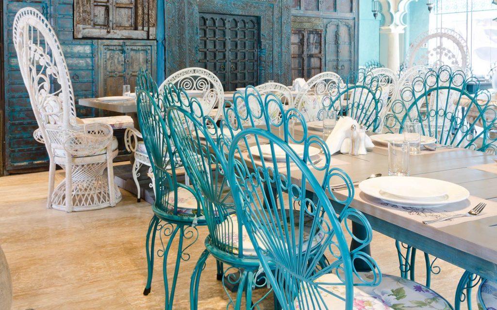 طاولة في مطعم