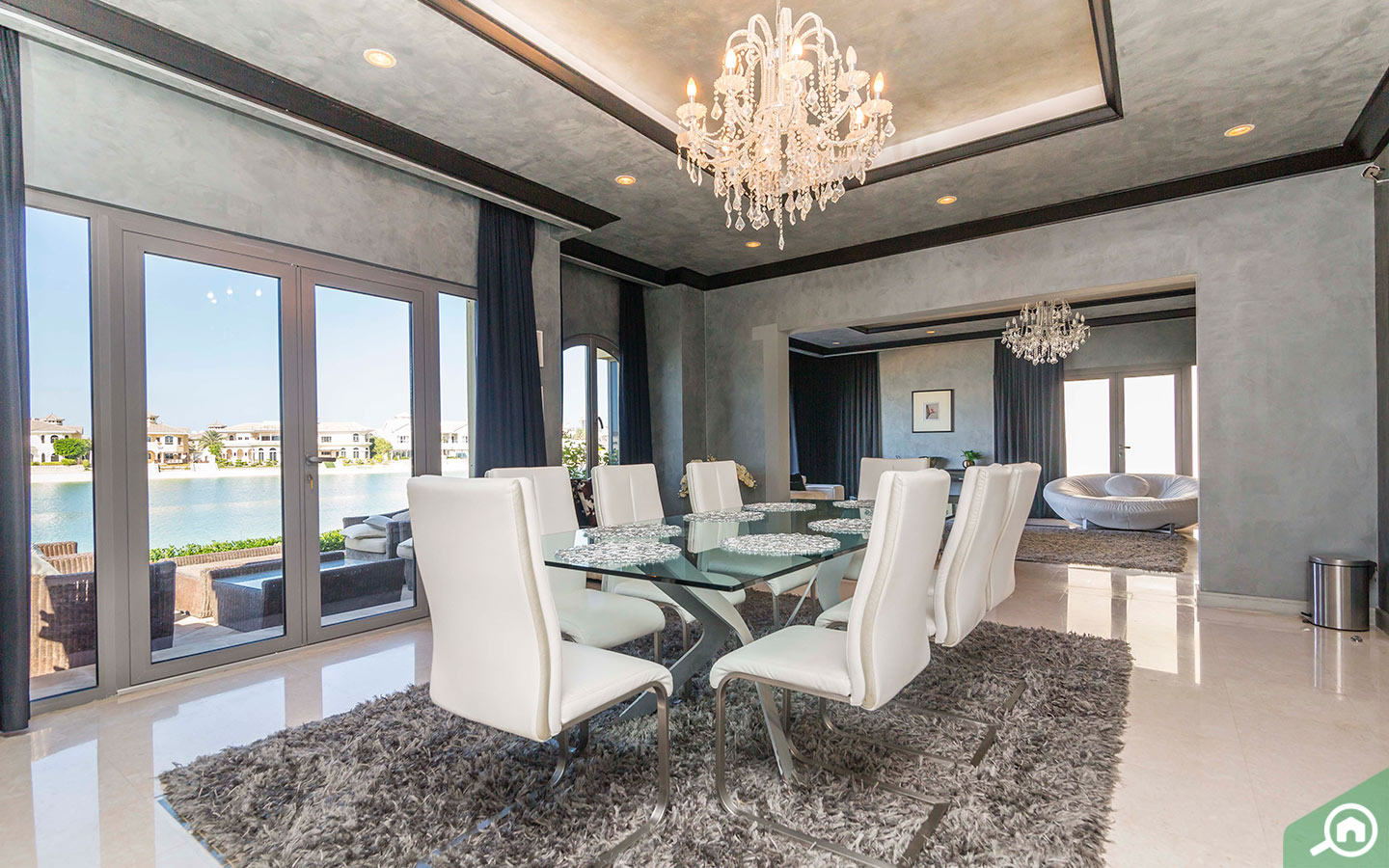 dining room in the Palm Jumeirah Villa