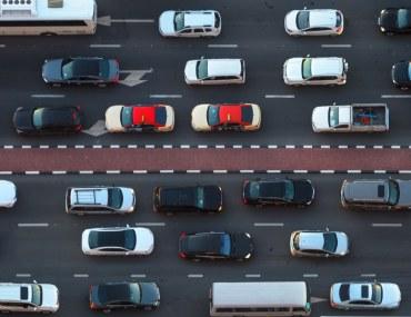 مركبات تتبع القوانين لتتجنب مخالفات دبي