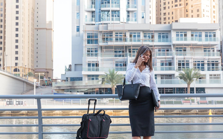 expat woman in Abu Dhabi