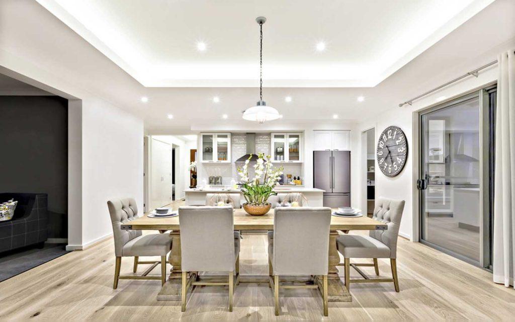 طاولة في مطبخ