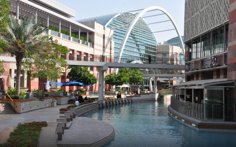الساحة الخارجية لمول فيستيفال سيتي دبي