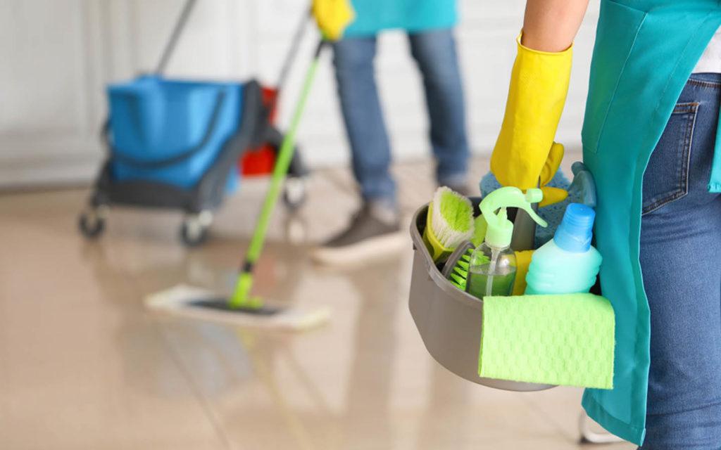 مواد وأدوات تنظيف