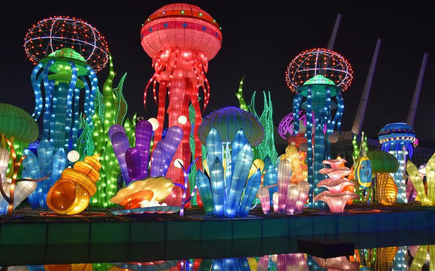 Dubai Garden Glow Review: Attractions, Tickets, Timings ... Mosquito Laser