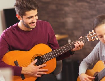 Private guitar class in Dubai