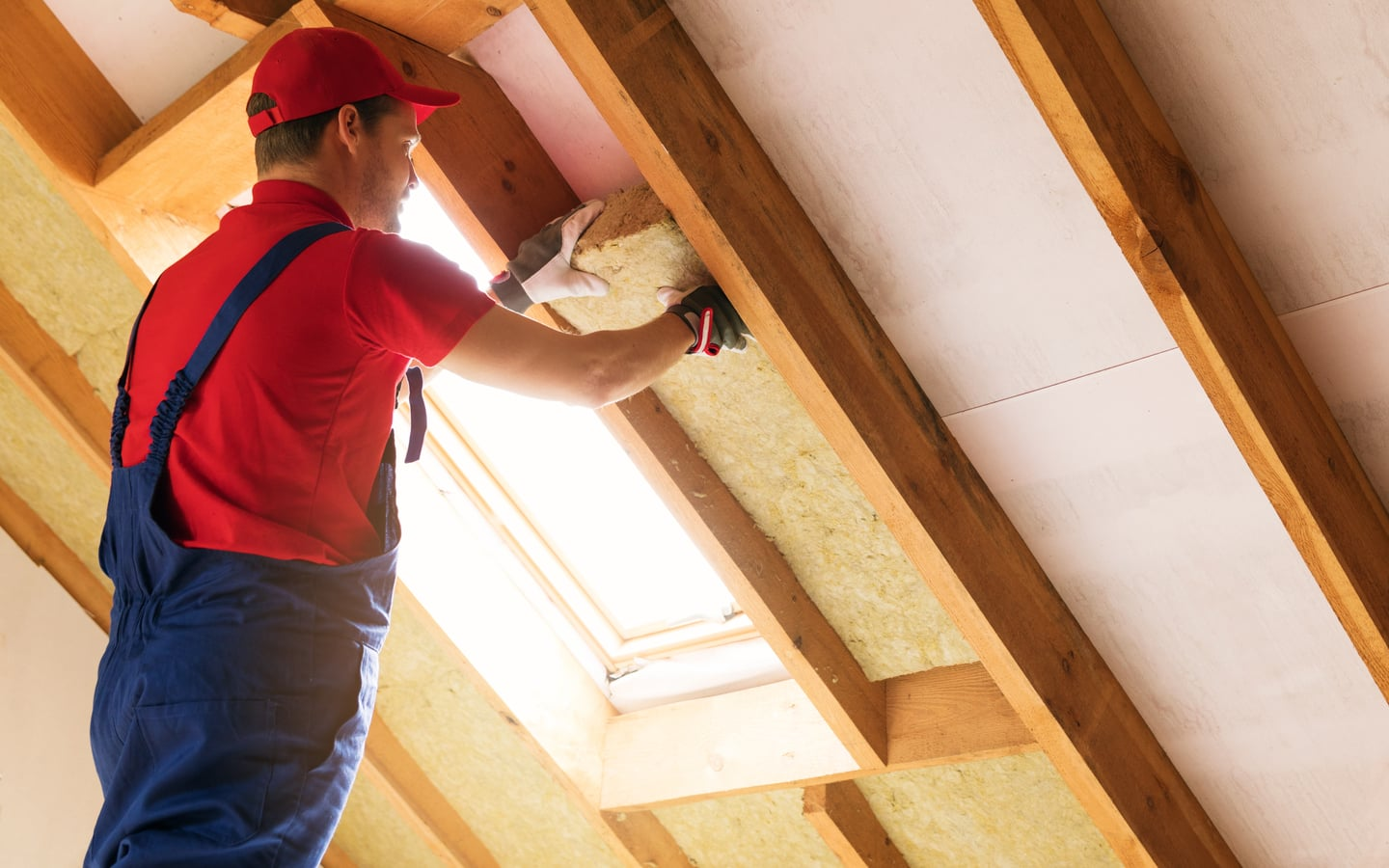 Insulate the walls of your house to make it more eco-friendly
