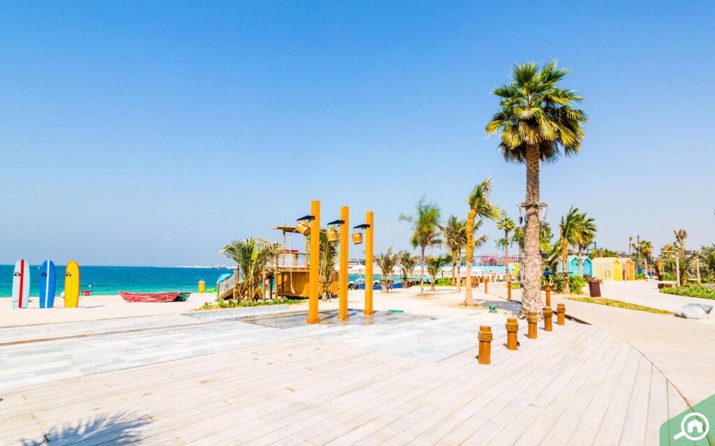 شاطئ لامير