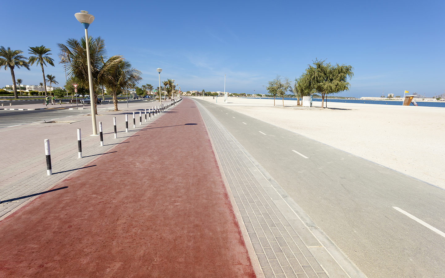 A quite beach running track to stay fit in Dubai