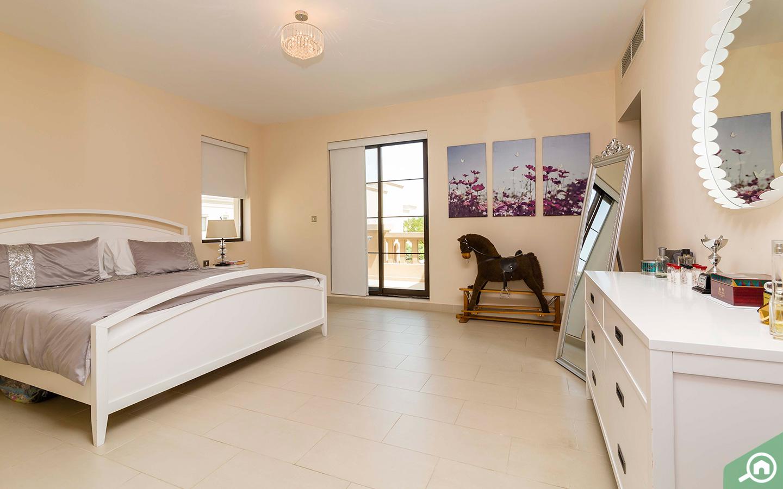 Balcony in master bedroom of Arabian Ranches villa