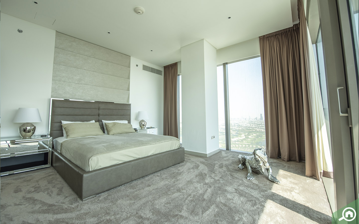 bedrooms in the Marina Gate Penthouse