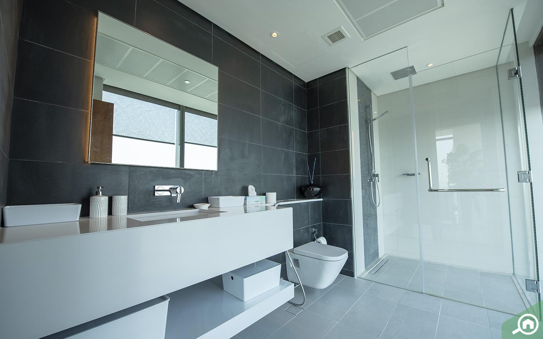 penthouse bathroom in dubai marina