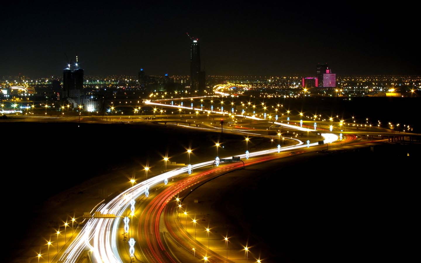 night view of Al Khail Road