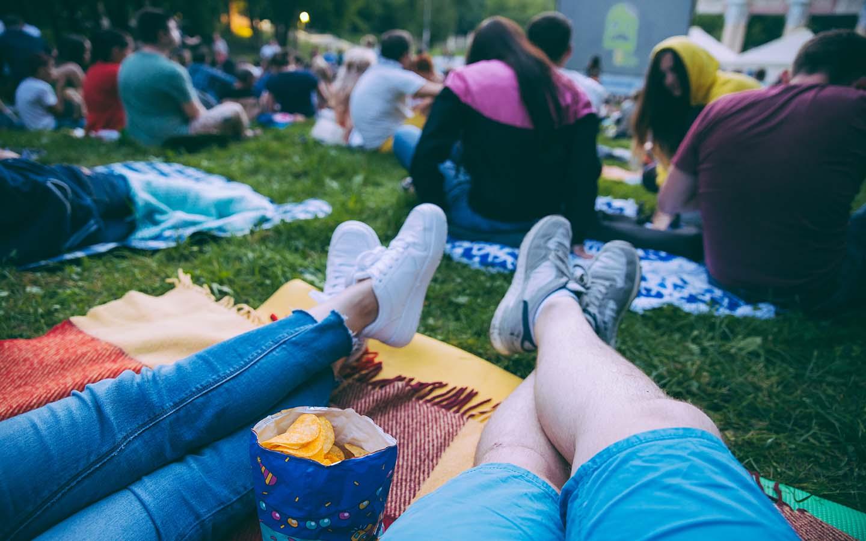 couple enjoying an outdoor movie