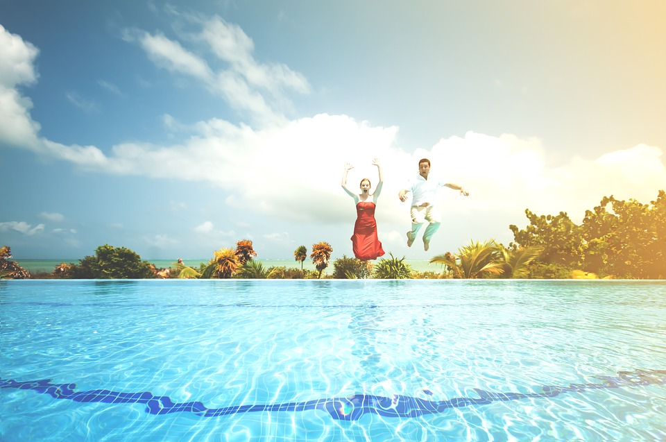 How To Host The Perfect Pool Party In Dubai A Checklist