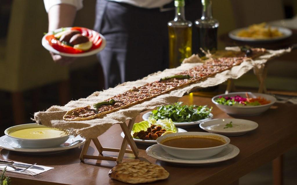 Iftar and Suhoor feast in Dubai