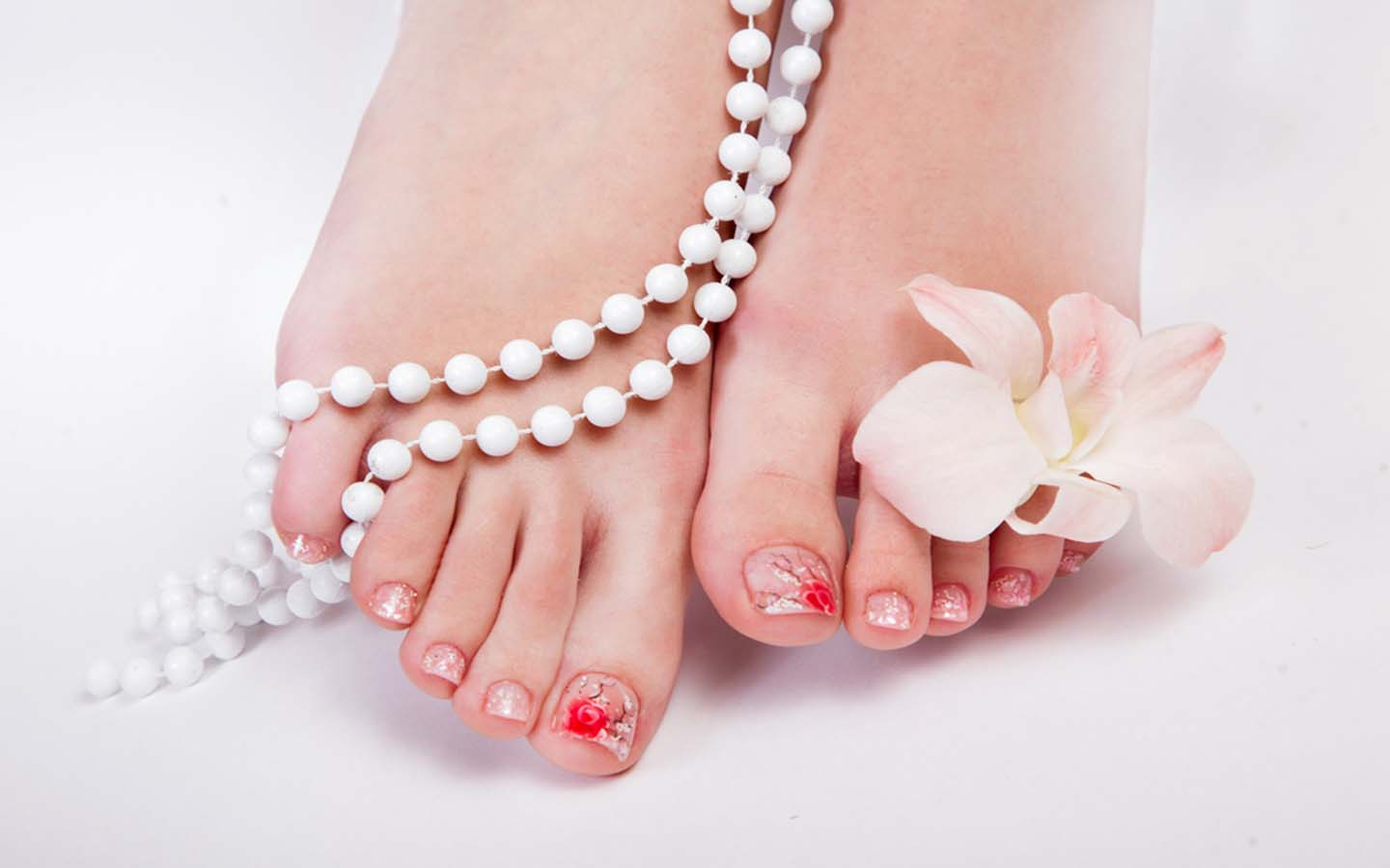 Nail art on the feet