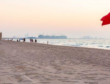 أفضل الشواطئ البحرية العامة في أبوظبي عاصمة الإمارات