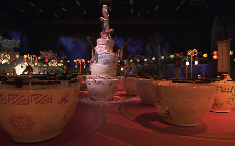 لعبة الأكواب داخل موشنجيت دبي