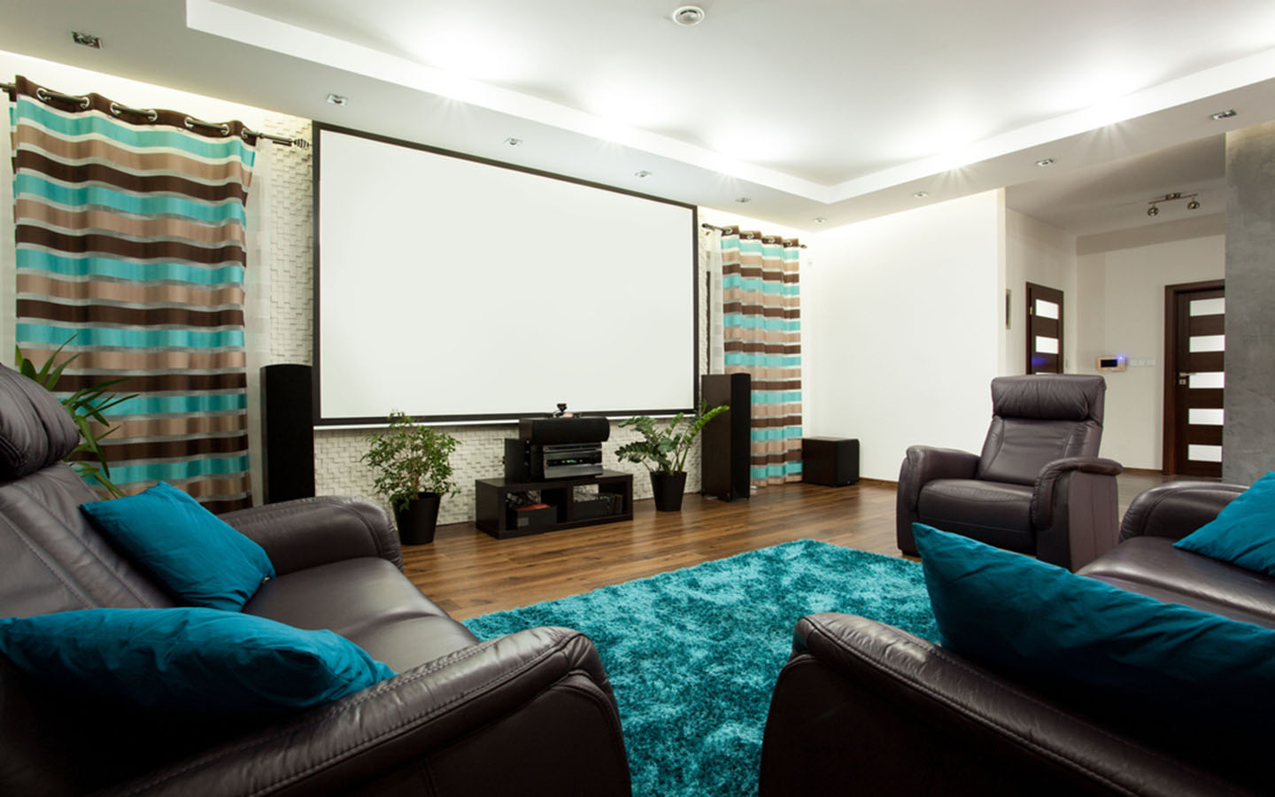 wide open space for your home theatre improves the bass