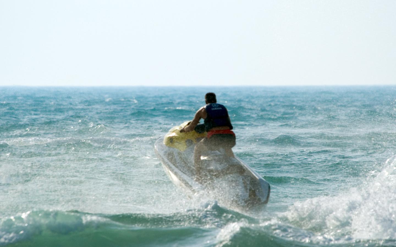 If you visit Al Mamzar beach, must try Jetski