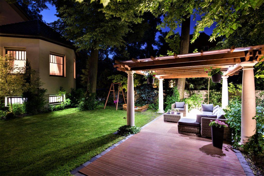 top yard decor ideas on Bayut.com