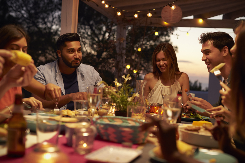 Hosting Dinner Party the do's and don'ts of hosting a dinner party in dubai