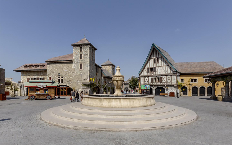 القرية الفرنسية في ريفرلاند دبي
